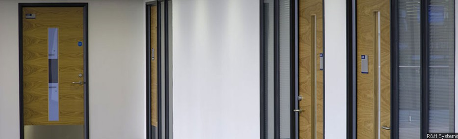 Komfire 100 Office Partitioning – 100mm double skinned system